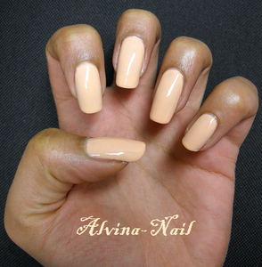 claire-s---chaire-3-Alvina-Nail.png