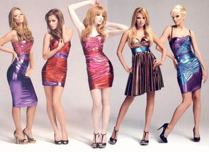 01 Girls Aloud 3