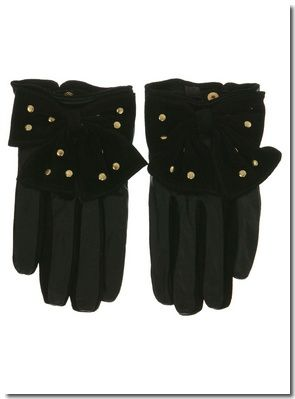 GANTS EN CUIR AVEC N&#x152;UD ET CLOUS : &#x20AC; 32,00