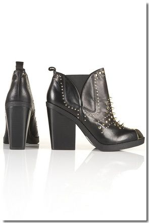 BOTTINES &#xC0; CLOUS DOR&#xC9;S AGGRO : &#x20AC; 111,00
