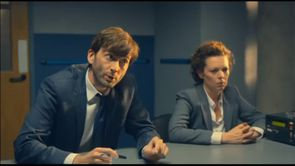 broadchurch--S1xep3-Mark-Latimer-interroge-sur-son-emploi-.jpg