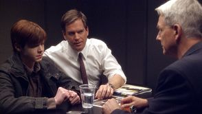 Out-of-the-Frying-Pan-ncis-ep-18.jpg