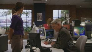 NCIS-S7E3--The-Inside-Man-ziva-david-13007812-450-253.jpg
