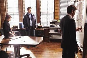 Castle-2x23-Overkill-Promo-Pictures-castle-11773897-340-227.jpg