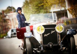 Miss-Fisher-Coca-blues-E1S1-FR3-Hispano-Suiza-Sondages---te.jpg