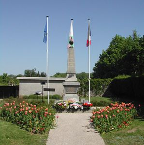 Monument-aux-Morts-Bussy-St-Georges.jpg