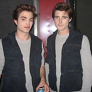 Paul Darnell & Rob Pattinson - Twilight Set