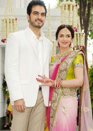 Esha-Deol-Engagement----Fashion-India-Blog-Saree-5.jpg