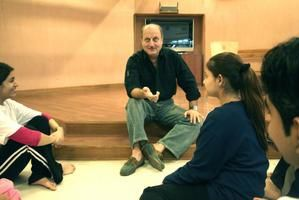 Anupam-Kher-the-teacher.jpg