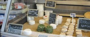 050 Vitrine fromages de Marie