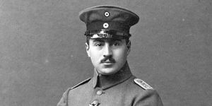 1730742_3_084f_l-officier-ernst-hess-en-1918_f50dd35fa5d403.jpg