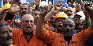 1481061 3 c747 des-ouvriers-de-la-compagnie-du-canal-de-sue