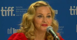 20110912-pictures-madonna-we-press-conference-tiff-10