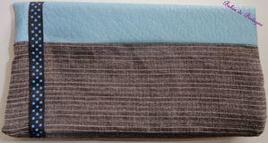 Etui-chequier-marron---skai-bleu---ruban-noir-pois-bleu-f.jpg