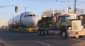 800px-US_Airways_Flight_1549_being_towed_2.jpg