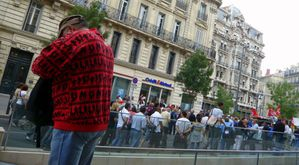 rouge-red-marseille-carnot.JPG