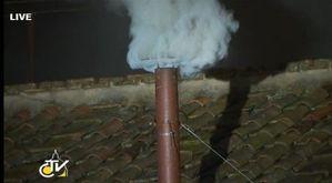 Fumee-blanche-a-Rome-l-Eglise-a-un-pape_article_main.jpg