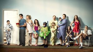 s3.tvlia.com.files.2011.05.Modern-Family-Season-2-e13045255.jpg