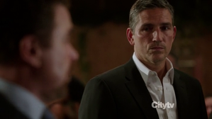 person-of-interest-jim-caviezel-tf1.png