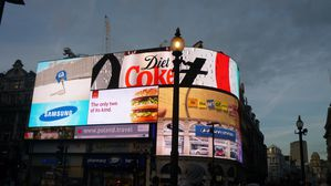picadilly-nuit.jpg