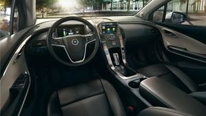 Opel_Ampera_Interior_View_384x216_am12_i01_022.jpg