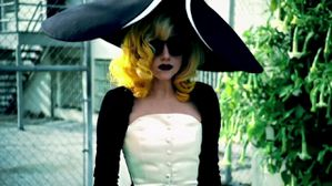 Lady-Gaga-Beyonce-Telephone-Music-Video-lady-gaga--copie-1.jpg