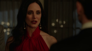 revenge-madeleine-stowe-victoria-grayson.png