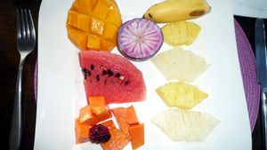 assiette fruits © TACACORI EcoLodge