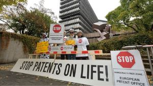 stop_patents_on_life-44b2c.jpg