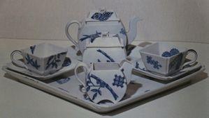 Worcester-Royal-Porcelaine---service-a-the-1877.jpg