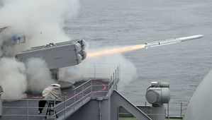 RIM 162 Evolved Sea Sparrow missile USS Carl Vinson (CVN 70