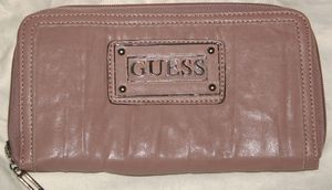 Compagnon Guess Rose 01
