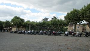 A-M-A-parking-motos-IMG_0423-small.jpg