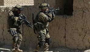 afghanistan-contingente-isaf-catture-3-insurgents-intenti-a.jpg