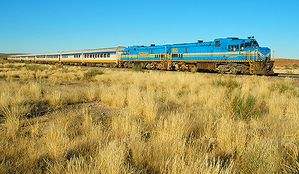 Desert-Express-en-Namibie-train-BlogOuvert.jpg