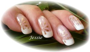 blog.french-NailArt paquerette or