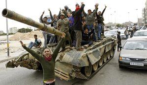 chars-libye-insurges-peuple-revolution.jpg