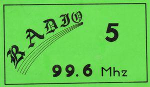 1er Auto collant Radio 5