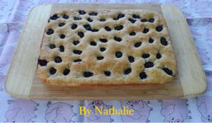 Gateau-moelleux-a-la-banane-et-mure-2.jpg