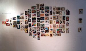 Galleri KG 52 - Cut & Paste show - Mur de cartes - cardswa