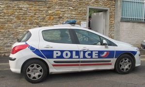 4262413 police-illustr-al