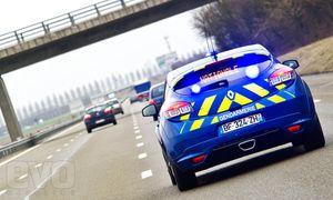 renault-megane-rs-gendarmerie-photos-12.jpg