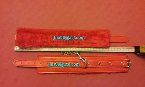 100308 Bracelets simili rouges à 25,00€
