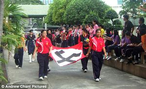 Comment-dit-on----Heil-Hitler-----en-Thailandai-copie-1.jpg