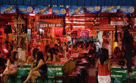 Dans les bars de Pattaya