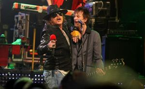 Axl-Rose-and-Tommy-Stinson-2-19-12-HoB-e1329787878999.jpg