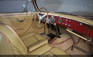Ferrari-212-Inter-Europa-Vignale-Coupe-rouge-interieur zoom