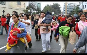 mujeresgrupoelperuano.jpg