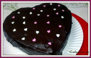 tarta corazon de chocolates
