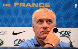 deschamps-a-organise-une-seance-video-mais.jpg